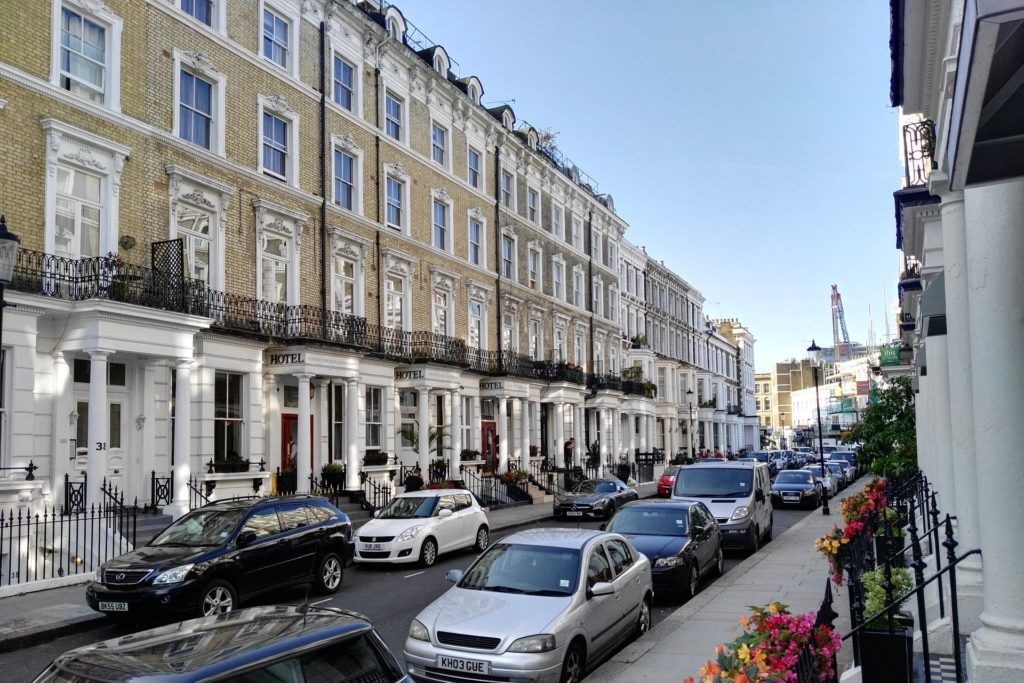 How to find a good house share in London